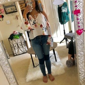 Off the shoulder, open arm, bell sleeves top